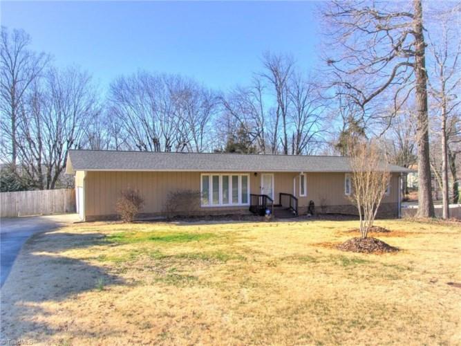 600 Fairidge Drive, Jamestown, NC 27282