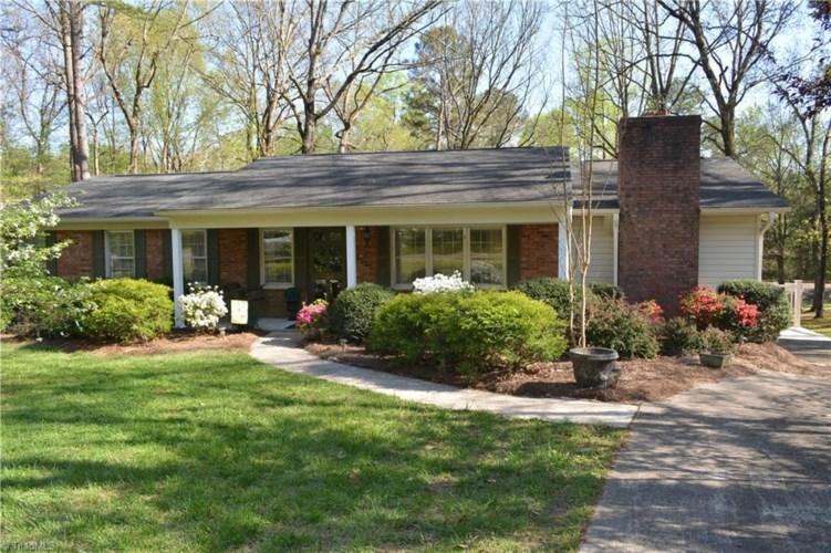 655 E Timber Lane, Robbins, NC 27325