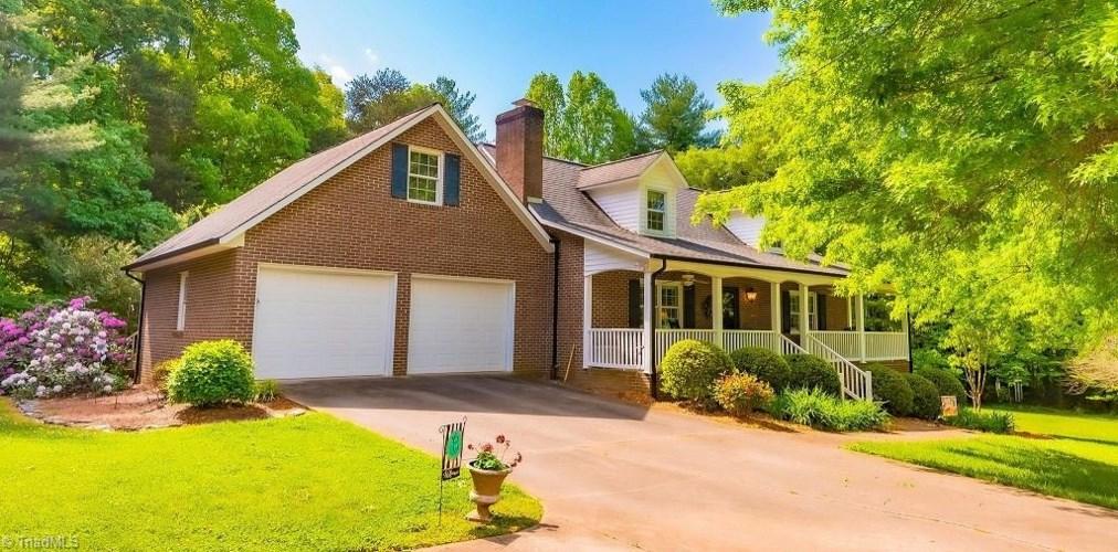 169 Green Oak Drive, Wilkesboro, NC 28697
