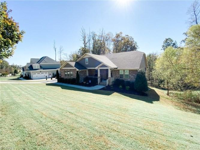 252 Stoney Creek Way, Chapel Hill, NC 27517