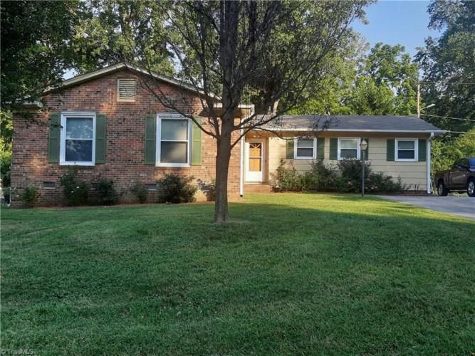 3313 Woodlea Drive, Greensboro, NC 27406