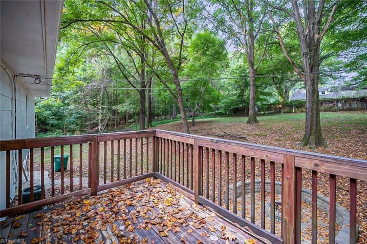 3850 Willowood Drive, Clemmons, NC 27012