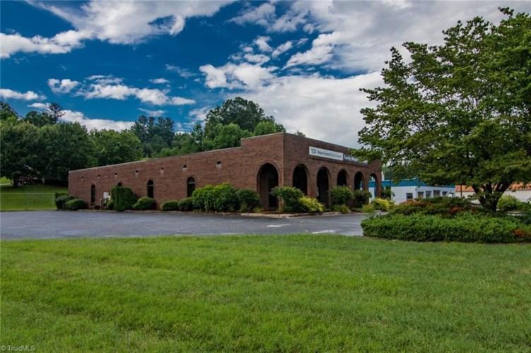 1534 W D Street, North Wilkesboro, NC 28659