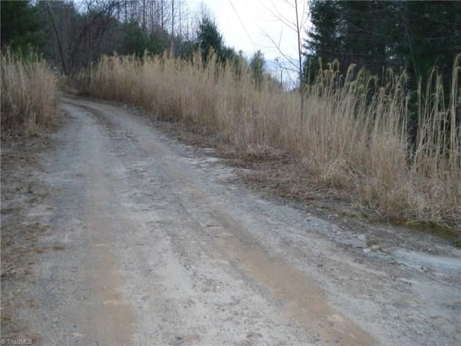 000 Sheets Gap Road, Millers Creek, NC 28651