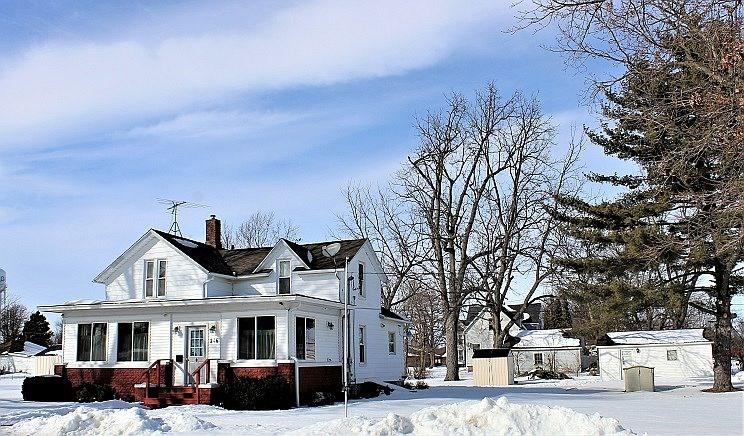 216 E. Division St., Galva, IL 61434