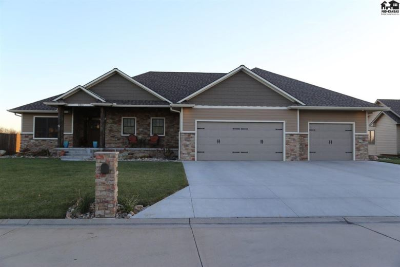 608 E Wickersham Dr, McPherson, KS 67460