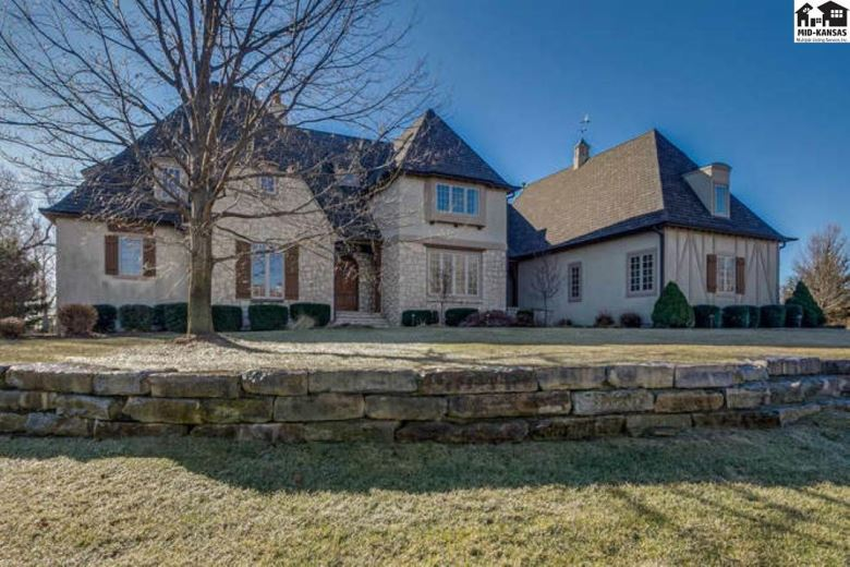 4509 Winged Foot Dr, Hutchinson, KS