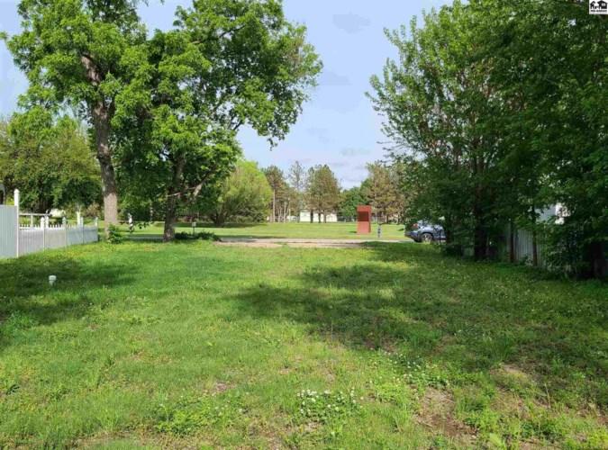 347 N Kansas Ave, Lindsborg, KS