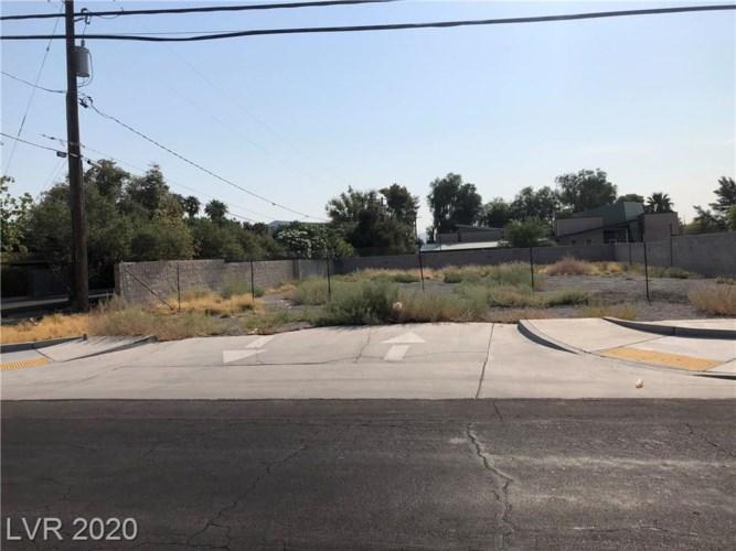 511 TONOPAH Drive, Las Vegas, NV 89106
