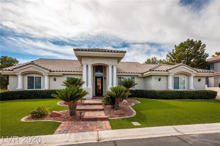 10001 Robin Oaks, Las Vegas, NV 89117