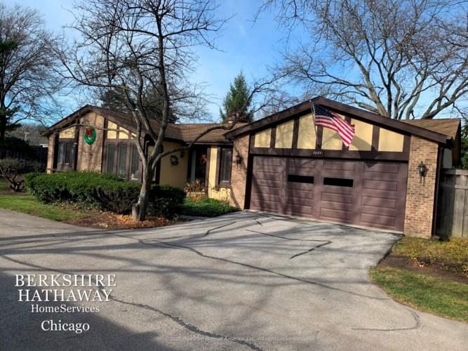 1401 Estate Lane, Glenview, IL 60025