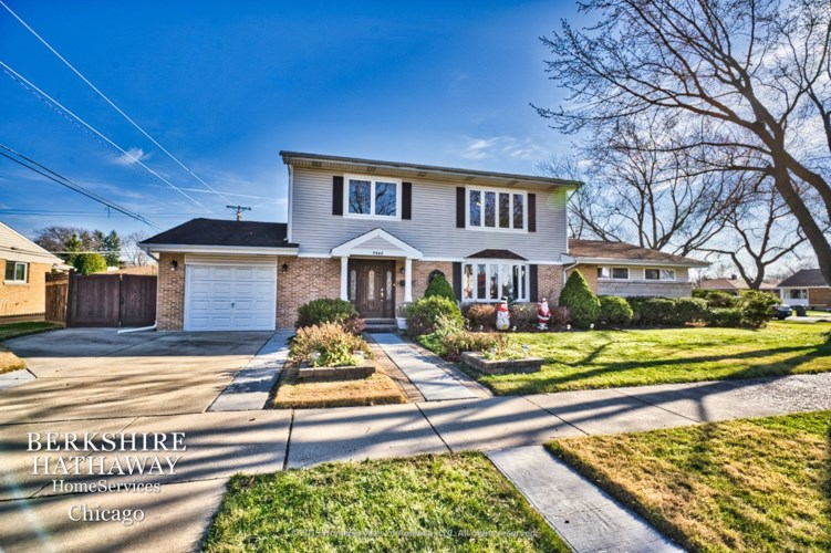 7240 Davis Street, Morton Grove, IL 60053