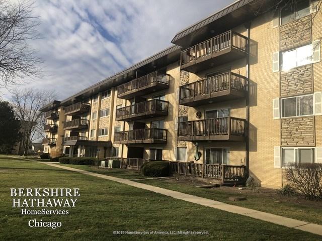 2214 S Goebbert Road #384, Arlington Heights, IL 60005