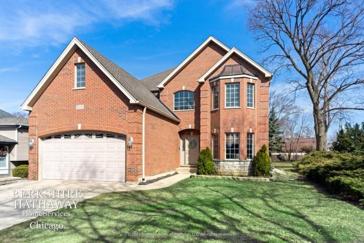 577 W Lorraine Avenue, Elmhurst, IL 60126