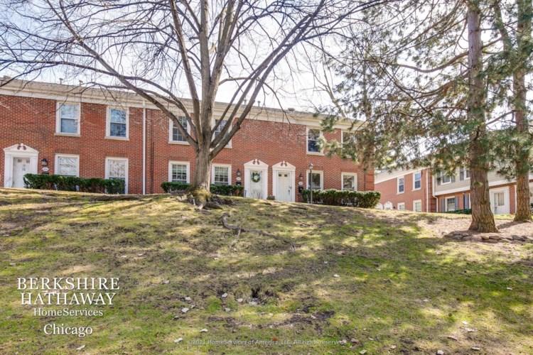 1450 Pebblecreek Drive, Glenview, IL 60025