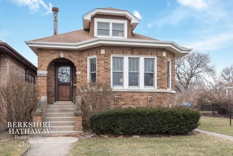 8530 Mansfield Avenue, Morton Grove, IL 60053