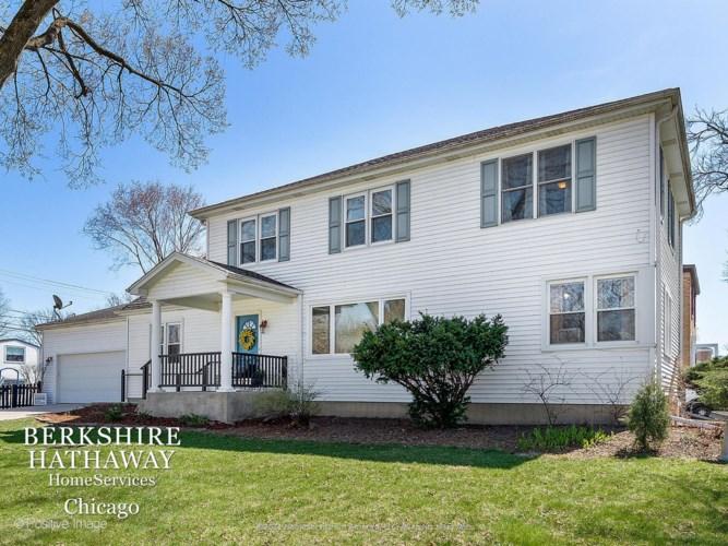 885 S Fairfield Avenue, Elmhurst, IL 60126