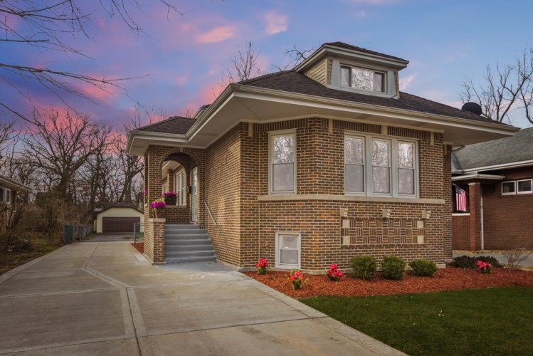 1669 W 104th Street, Chicago-Beverly, IL 60643