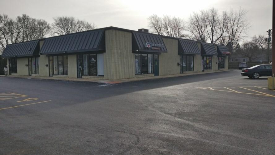 521 S Bartlett Road, Streamwood, IL 60107