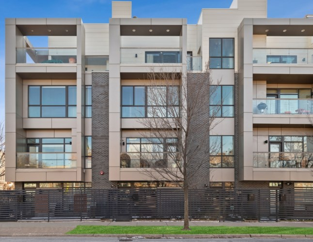 1303 W Diversey Parkway, Chicago-Lincoln Park, IL 60614