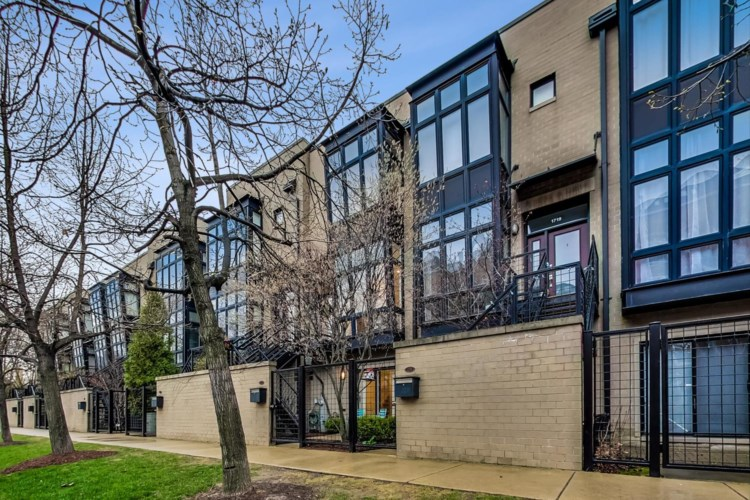 1717 W Diversey Parkway, Chicago-Lincoln Park, IL 60614
