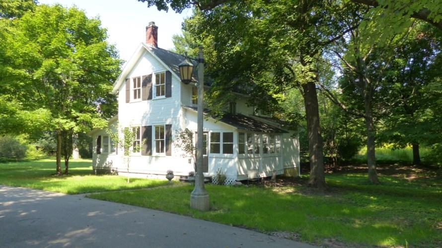 870 Woodbine Lane, Lake Forest, IL 60045