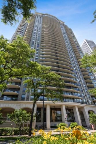 1040 N Lake Shore Drive #18B, Chicago-Near North Side, IL 60611