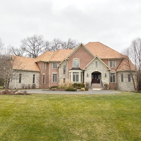 66 S WYNSTONE Drive, North Barrington, IL 60010