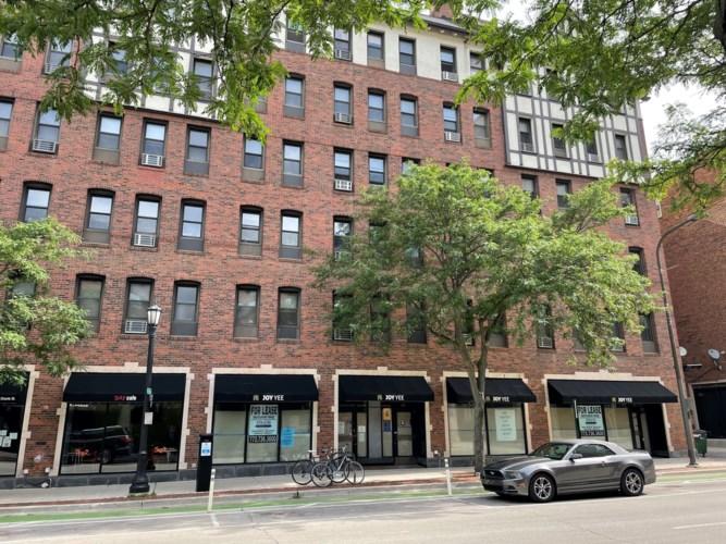 521 Davis Street, Evanston, IL 60201