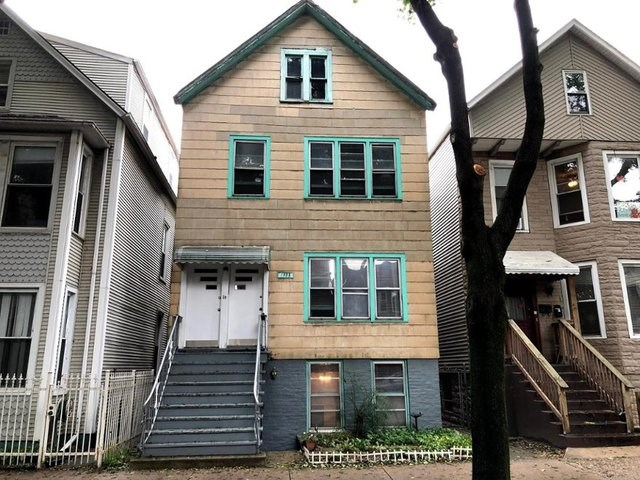 1738 W Roscoe Street #2, Chicago-Lake View, IL 60657