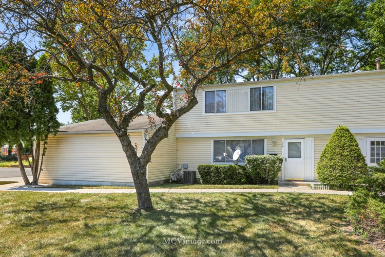 798 Barnaby Place #798, Wheeling, IL 60090