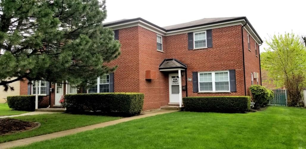 17 E Thorndale Avenue, Roselle, IL 60172