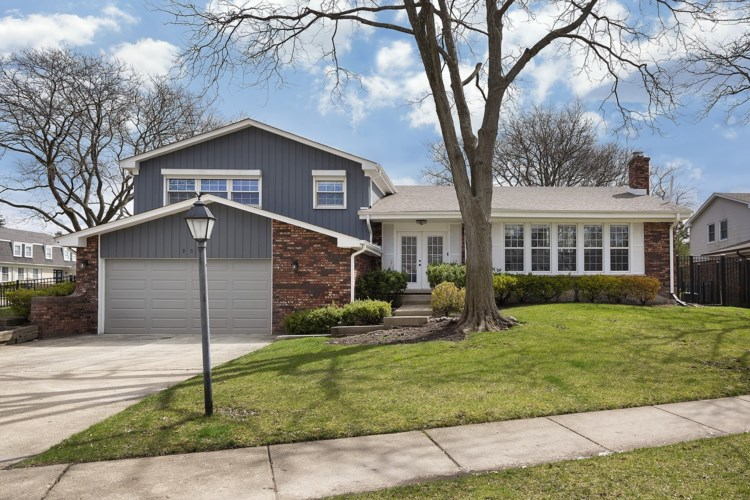 902 SUFFIELD Terrace, Northbrook, IL 60062