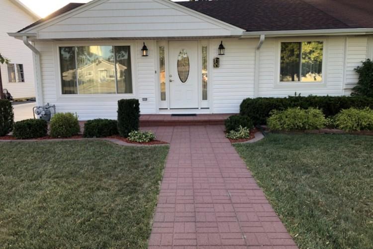 8766 S Kostner Avenue, Hometown, IL 60456