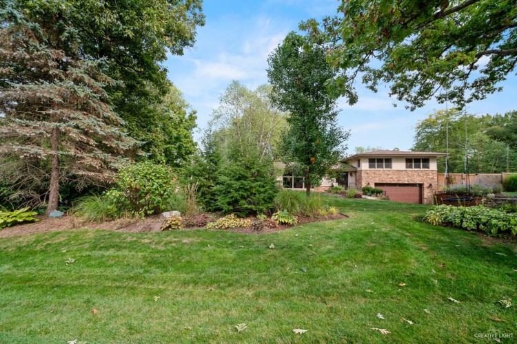 25 Ferndale Road, Deer Park, IL 60010
