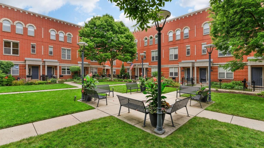 4646 N Greenview Avenue #23, Chicago-Uptown, IL 60640