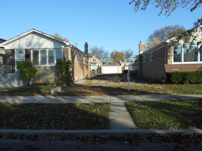3445 N Kolmar Avenue, Chicago-Irving Park, IL 60641