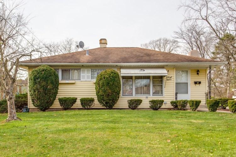 4818 CUMNOR Road, Downers Grove, IL 60515
