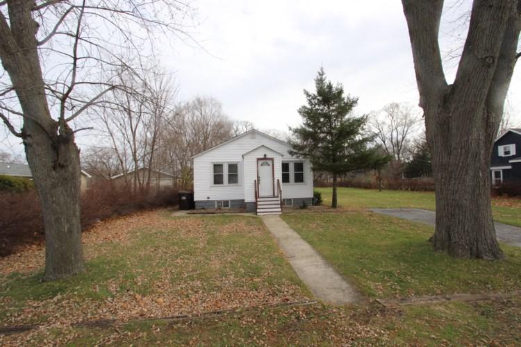 301 Elmwood Avenue, Crystal Lake, IL 60014