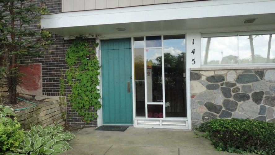 145 Ann Street #10, Clarendon Hills, IL 60514