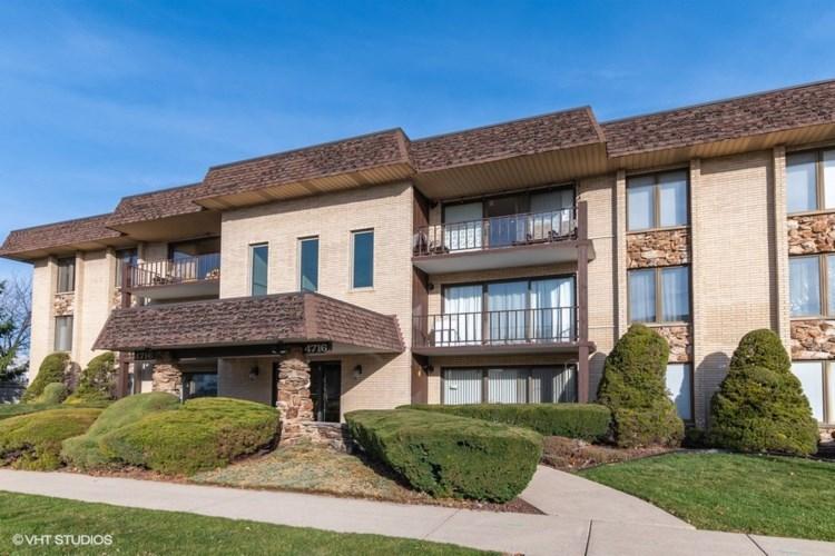 4716 W 106th Place #2D, Oak Lawn, IL 60453