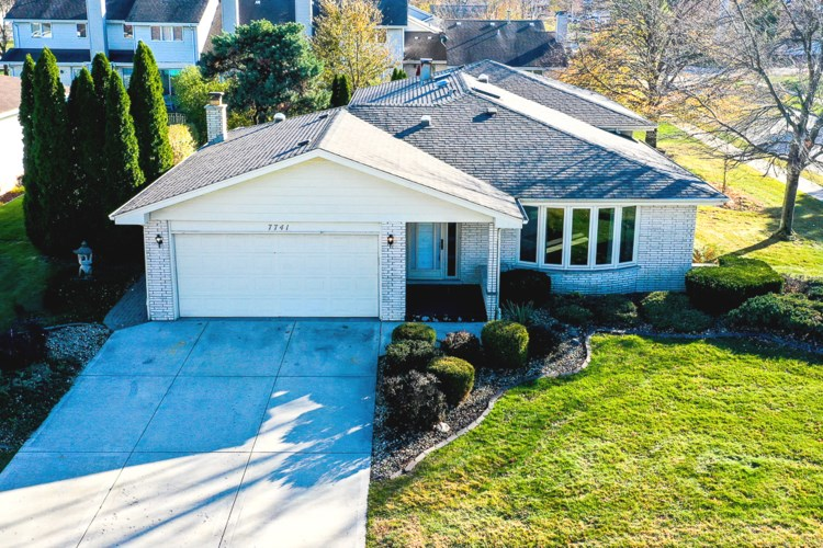 7741 W 157th Place, Orland Park, IL 60462