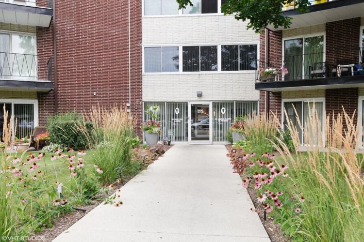 2800 Maple Avenue #14C, Downers Grove, IL 60515