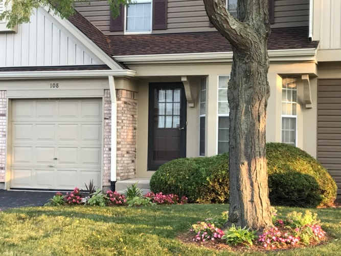 108 Peach Tree Lane, Westmont, IL 60559