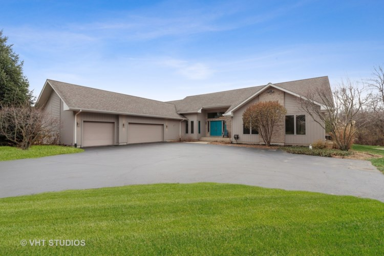 16809 W Cherrywood Lane, Wadsworth, IL 60083