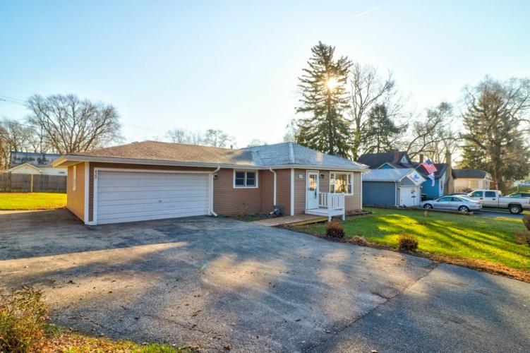 420 Santa Barbara Road, Lakemoor, IL 60051