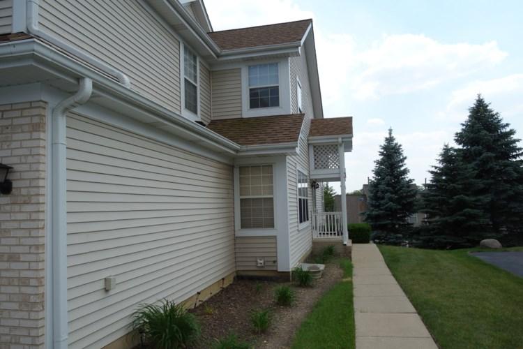 5498 Ridge Crossing, Hanover Park, IL 60133