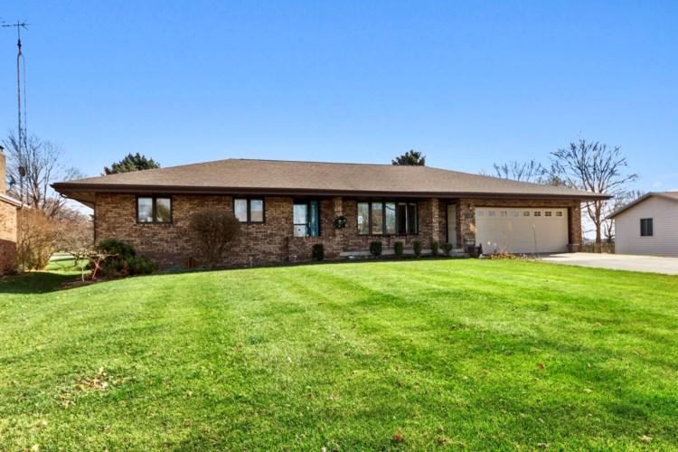 114 W Hislop Drive, Cissna Park, IL 60924