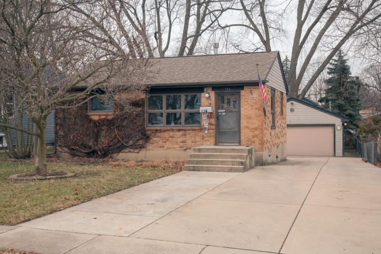 114 N Crest Avenue, Bartlett, IL 60103