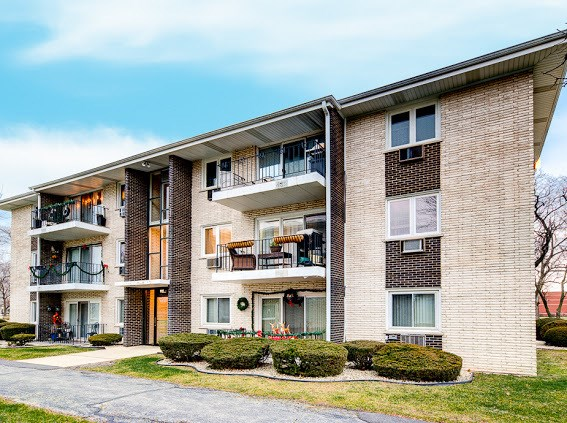 6530 W 94th Place #2C, Oak Lawn, IL 60453
